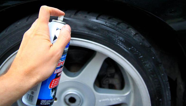 Отполируйте шины с помощью силиконового блеска